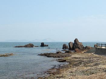 大塚海岸ライオン岩.jpg